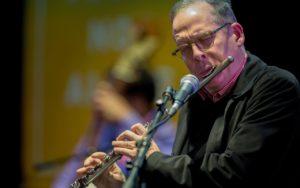 Earshot Jazz: Hans Teuber Trio